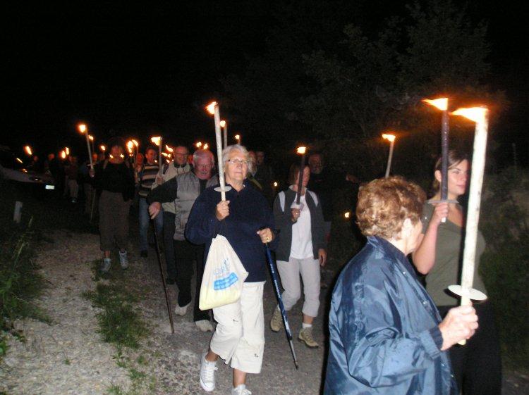 descente aux flambeaux vers Curemonte